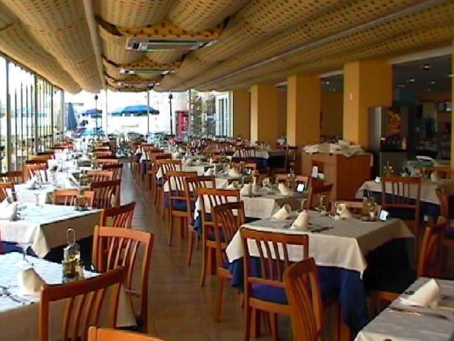 Restaurante mesas for Mesas de restaurante precios
