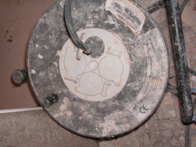 ALARGADOR 01 RIESGO ELECTRICO