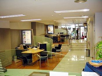 Iluminacion oficina 01 fotos prevencion riesgos laborales for Riesgos laborales en oficinas