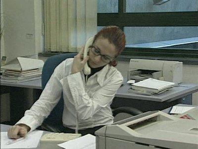 Postura auricular fotos prevencion riesgos laborales for Riesgos laborales en oficinas