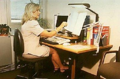 Reposapies 2 fotos prevencion riesgos laborales trabajo en - Reposapies oficina ...