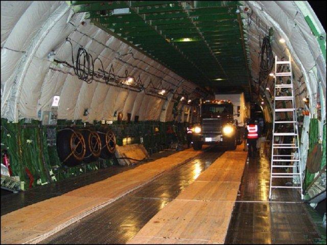 Avion bodega carga imagenes fotos prevencion aeropuerto - Bodegas en sotanos de casas ...